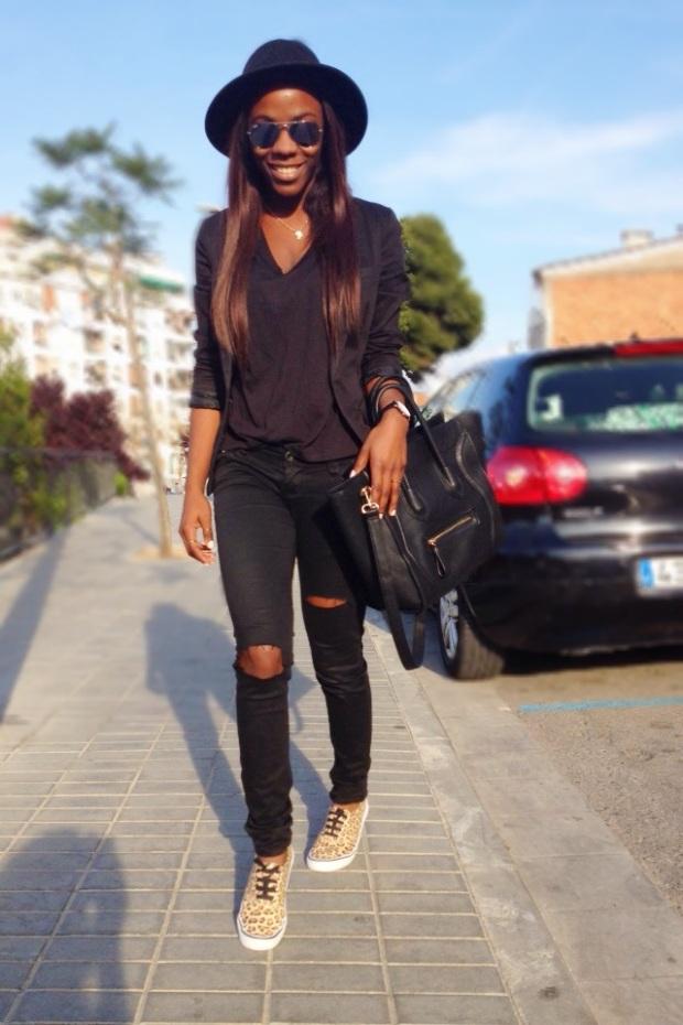 Animal print sneakers_total black outfit_adribohocloset1