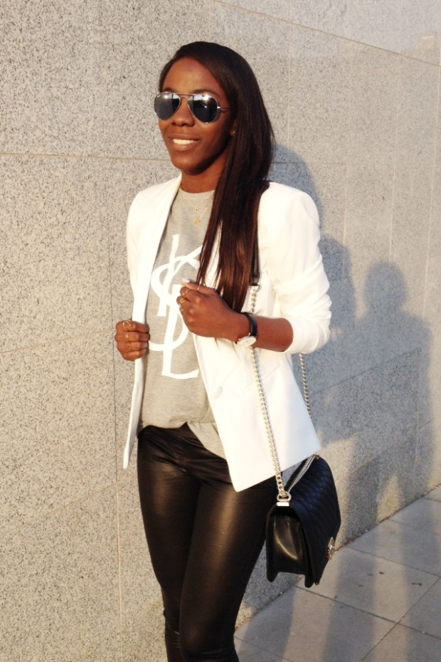 grey tee YSL_White blazer_Mariapascual_urbanjungle_adribohocloset11
