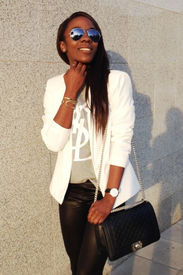 grey tee YSL_White blazer_Mariapascual_urbanjungle_adribohocloset7