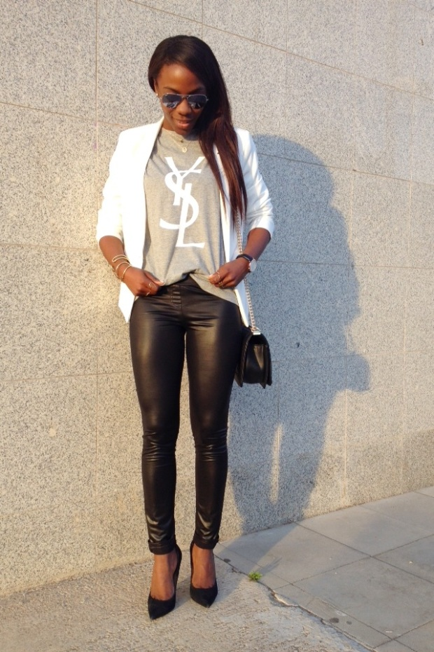 grey tee YSL_White blazer_Mariapascual_urbanjungle_adribohocloset8