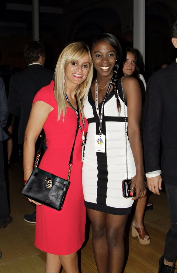 Con mi amiga Vanessa, con la que disfruté de ésta noche! Gracias amiga por ser mi Ángel! Te adoro!!