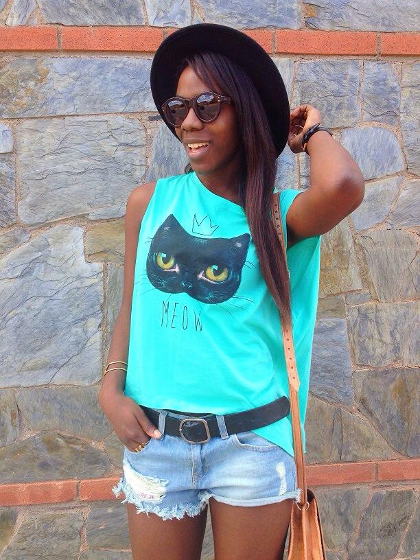 redtee_camisetaverde_cat_paramitahappybcnstyle_adribohocloset4