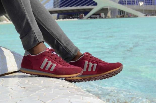burgundysneakers_MUSTANG_bohocloset8