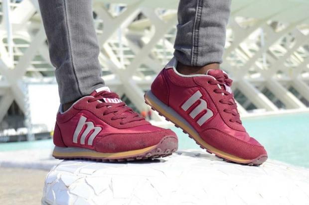 burgundysneakers_MUSTANG_bohocloset9