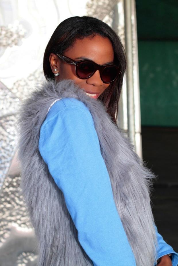 faux fur vest_blogger_adrianaboho_bohocloset3