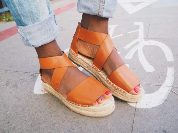 pullandbear_sandals_camel_brown_blogger_Barcelona_boho_adrianaboho2