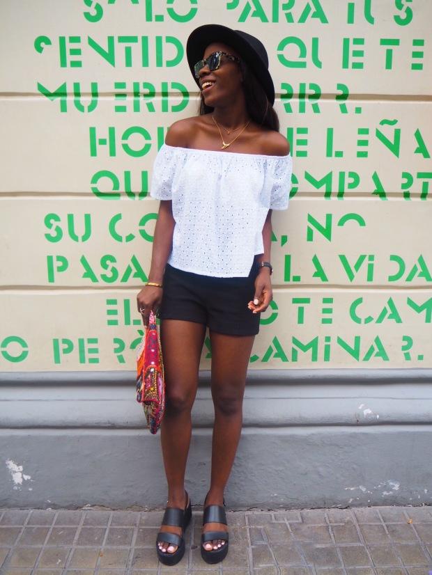 whitesummerblouse_ethnicclutch_blogger_Adriboho_boho_AdrianaBoho8