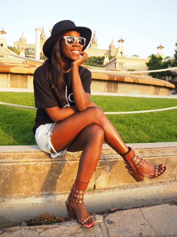 Chloe_blacktee_justfab_Barcelona_blogger_AdriBoho_Bohocloset3