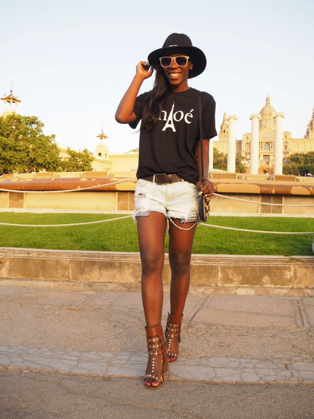 Chloe_blacktee_justfab_Barcelona_blogger_AdriBoho_Bohocloset4