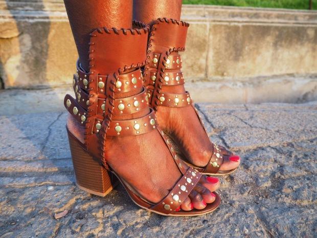 Chloe_blacktee_justfab_Barcelona_blogger_AdriBoho_Bohocloset7