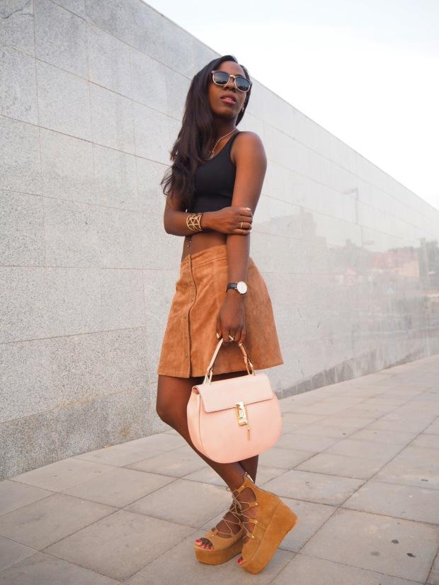 FASHIOLA_Blogger_Adriboho_MangoPlatform_camelplatform_leatherskirt6