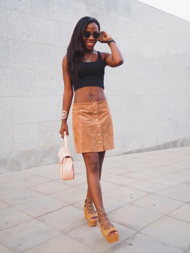 FASHIOLA_Blogger_Adriboho_MangoPlatform_camelplatform_leatherskirt8