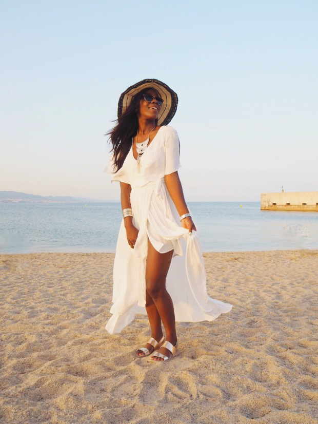 Freepeople_bohodress_summerdress_boho_whitedress_maxidress_blogger_AdriBoho_Bohocloset14