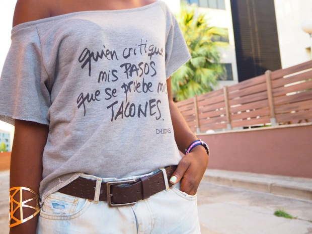 greysweatshirt_summeroutfit_highheels_blogger_adriboho_bohoclosetblog14