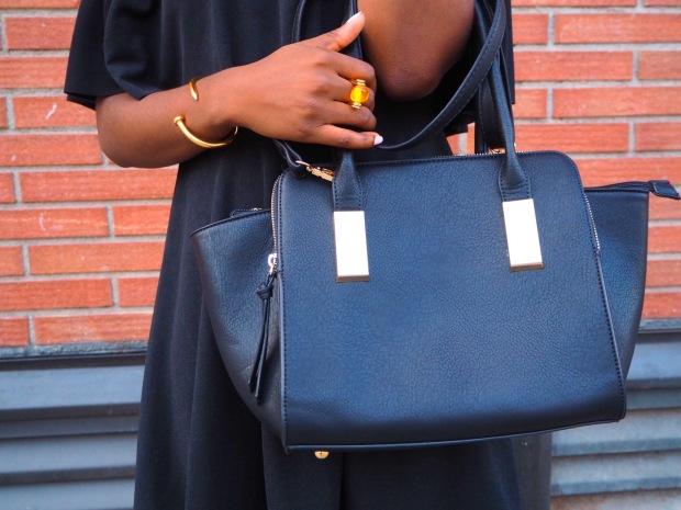 Black off shoulder dress_blogger_adriboho_bohoclosetblog3
