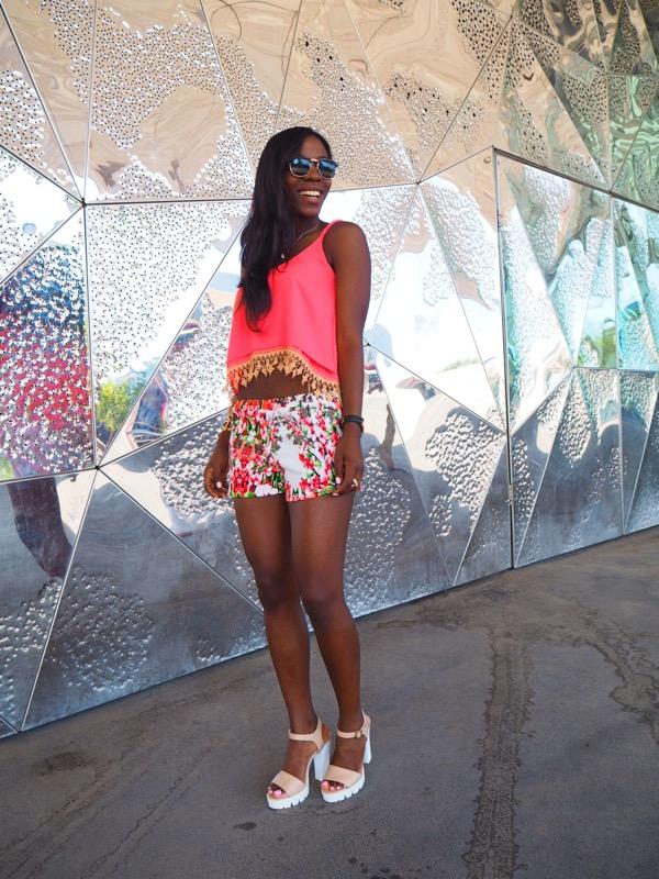 floralshorts_shortfloral_blogger_bohoclosetblog_adriboho_stevemadden2