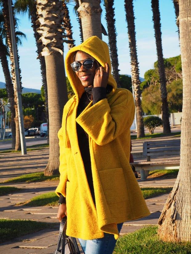 yellowcoat_abrigoamarillo_ootd_inspo_blogger_adriboho_bohoclosetblog_adidassuperstar4