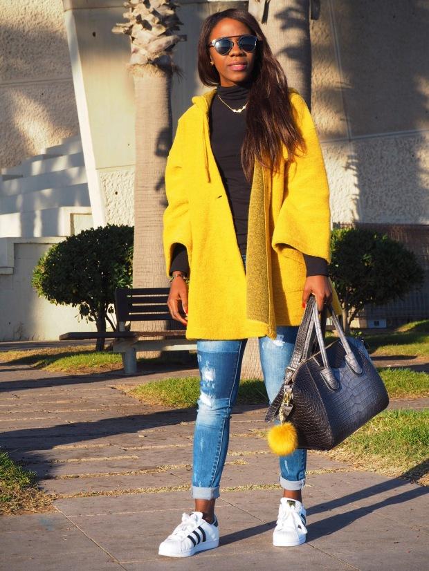 yellowcoat_abrigoamarillo_ootd_inspo_blogger_adriboho_bohoclosetblog_adidassuperstar8